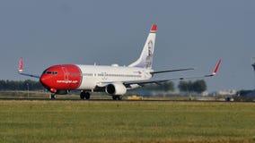 Norweski Lotniczej linii samolot bierze daleko od Monachium MUC lotniska zdjęcia stock