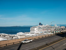 Norweski statku wycieczkowego klejnot dokujący w Seattle Obraz Royalty Free