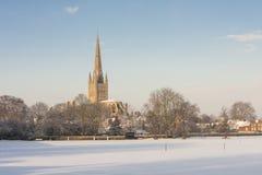 Norwich domkyrka i vinter Arkivfoto