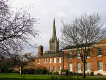 Norwich domkyrka och St Helens hus Royaltyfri Foto