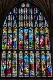 NORWICH NORFOLK/UK - APRIL 24: Målat glassfönster i katten Royaltyfria Foton