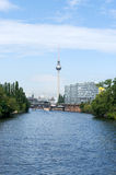 Nos bancos da série. Berlim. foto de stock royalty free