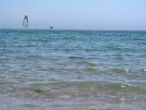 Nos surfistas da superfície dois da água na névoa Foto de Stock Royalty Free