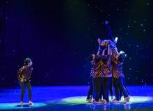 Nos volontés unissent comme une vieille danse ethnique de la dame-Chine de forteresse-Le photos libres de droits