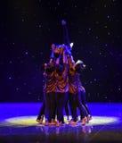Nos volontés unissent comme une vieille danse ethnique de la dame-Chine de forteresse-Le images stock