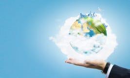 Nosso planeta em nossas mãos Fotografia de Stock Royalty Free