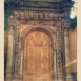 Nostalgia velha de Istambul das portas Imagens de Stock