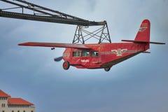 Nostalgisch Vliegtuig in Parc-d'Atraccions in Tibidabo 25 Juli, 2016 in Barcelona, Spanje Royalty-vrije Stock Afbeeldingen