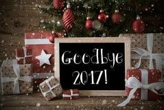 Nostalgische Kerstboom met vaarwel 2017, Sneeuwvlokken Stock Foto's