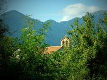 Nostalgische Vignette, griechisch-orthodoxe Kirche, griechisches Bergdorf, Griechenland lizenzfreie stockfotos