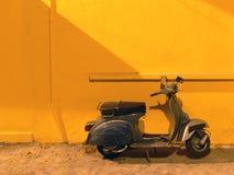 nostalgisk sparkcykel Royaltyfria Foton