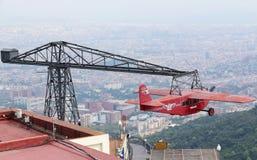 Nostalgiskt flygplan i Parc d'Atraccions på Tibidabo April 15, 2009 i Barcelona Arkivbild