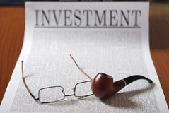 Notícia do investimento imagem de stock royalty free