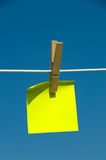 Nota appiccicosa gialla Fotografie Stock