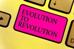 Nota da escrita que mostra a evolução à revolução Adaptação apresentando da foto do negócio à maneira de vida para criaturas e se imagens de stock royalty free