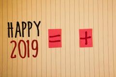 Nota da escrita que mostra 2019 feliz Fotos do negócio que apresentam o messag inspirador de Congrats MessageIdeas dos elogios da Fotografia de Stock