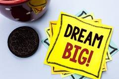 Nota da escrita que mostra grande ideal Ideia apresentando do desafio da estratégia da visão do sonho do alvo do plano da motivaç Fotos de Stock