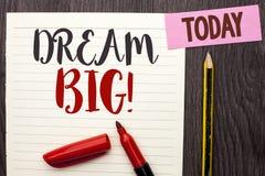 Nota da escrita que mostra grande ideal Ideia apresentando do desafio da estratégia da visão do sonho do alvo do plano da motivaç Foto de Stock