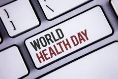 Nota da escrita que mostra o dia de saúde de mundo A foto do negócio que apresenta a data especial para atividades saudáveis impo fotografia de stock royalty free