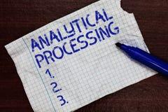 Nota da escrita que mostra o processamento analítico A foto do negócio que apresenta facilmente a vista escreve a mineração de da imagem de stock