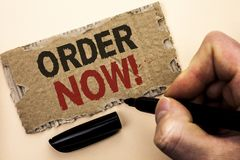 Nota da escrita que mostra a ordem agora Registro apresentando do produto da loja da promoção de venda do negócio da ordem de com fotos de stock