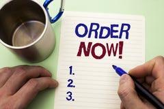 Nota da escrita que mostra a ordem agora Registro apresentando do produto da loja da promoção de venda do negócio da ordem de com fotos de stock royalty free