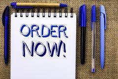 Nota da escrita que mostra a ordem agora Registro apresentando do produto da loja da promoção de venda do negócio da ordem de com fotografia de stock