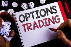 Nota da escrita que mostra a troca de opções Ato judiciário apresentando da análise do mercado de valores de ação das mercadorias Fotografia de Stock Royalty Free
