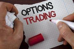 Nota da escrita que mostra a troca de opções Ato judiciário apresentando da análise do mercado de valores de ação das mercadorias Foto de Stock