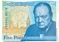 Nota de cinco libras com ilustração de Winston Churchill Fotografia de Stock Royalty Free