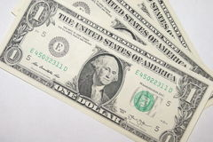 1 nota de dólar em um fundo branco Fotografia de Stock