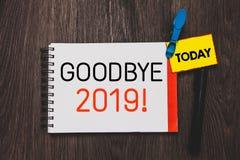 Nota de la escritura que muestra adiós 2019 Foto del negocio que muestra la transición de Eve Milestone Last Month Celebration de foto de archivo