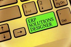 Nota de la escritura que muestra al diseñador de las soluciones del ERP Foto del negocio que muestra elegante optimizado modulari fotos de archivo