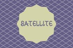 Nota de la escritura que muestra el satélite Foto del negocio que muestra el cuerpo artificial puesto en órbita alrededor de la t libre illustration