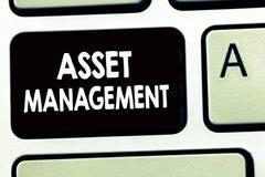 Nota de la escritura que muestra la gestión de activos Foto del negocio que muestra el proceso sistemático de actuar y de dispone fotografía de archivo libre de regalías