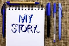 Nota de la escritura que muestra mi historia Cartera de exhibición del perfil de la historia personal del logro de la biografía d fotos de archivo
