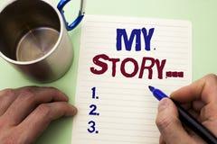 Nota de la escritura que muestra mi historia Cartera de exhibición del perfil de la historia personal del logro de la biografía d foto de archivo