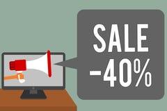 Nota de la escritura que muestra la venta 40 Foto del negocio que muestra precio del promo de A de un artículo en el 40 por cient Foto de archivo libre de regalías