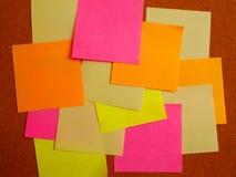 Nota de post-it colorida fotografía de archivo