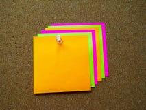 Nota de post-it colorida Fotos de archivo libres de regalías