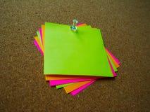 Nota de post-it colorida Foto de archivo libre de regalías