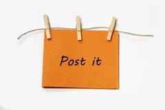 Nota de suspensão do lembrete Fotos de Stock