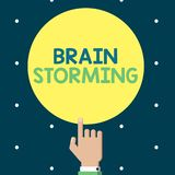 Nota di scrittura che mostra Brain Storming Foto di affari che montra discussione nuova di sviluppo di stimolazione di idee di pe Illustrazione Vettoriale