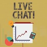Nota di scrittura che mostra Live Chat Foto di affari che montra conversazione sulla comunicazione su mezzi mobili di multimedia  illustrazione di stock