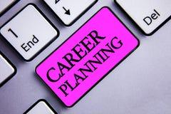 Nota di scrittura che mostra pianificazione di carriera Foto di affari che montra strategia educativa Job Growth Text due di svil immagine stock libera da diritti