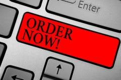 Nota di scrittura ora che mostra ordine La foto di affari che montra i ristoranti di servizio o i depositi fornisce per ottenere  fotografia stock