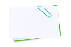 Nota e clip di post-it in bianco Immagine Stock