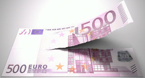 Nota euro de rasgado Fotos de archivo
