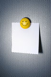 Nota met Magneet Smiley Stock Foto's