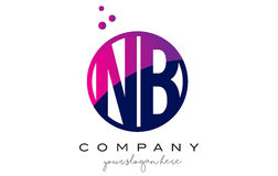 NOTA: N.B. Circle Letter Logo Design avec Dots Bubbles pourpre Images stock